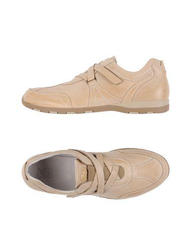 Низкие кеды и кроссовки NERO GIARDINI 11200237EG
