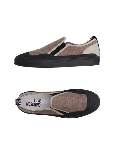 Низкие кеды и кроссовки LOVE MOSCHINO 11224845WU