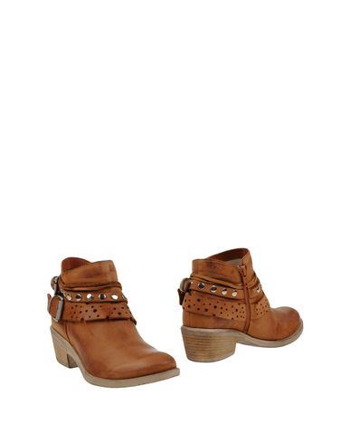 Полусапоги и высокие ботинки FABRIZIO CHINI. Цвет: коричневый