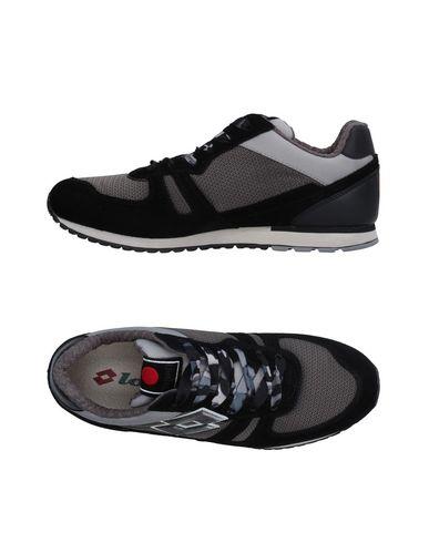 Низкие кеды и кроссовки LOTTO LEGGENDA 11231661IS