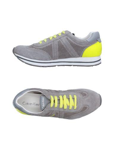 Низкие кеды и кроссовки CALVIN KLEIN 11236255PU
