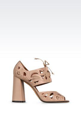 Armani Sandali con tacco Donna sandali in pelle intagliata