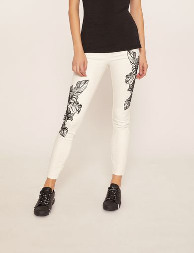 아르마니 익스체인지 Armani Exchange J10 SKINNY CROPPED FLORAL JEAN,White Denim
