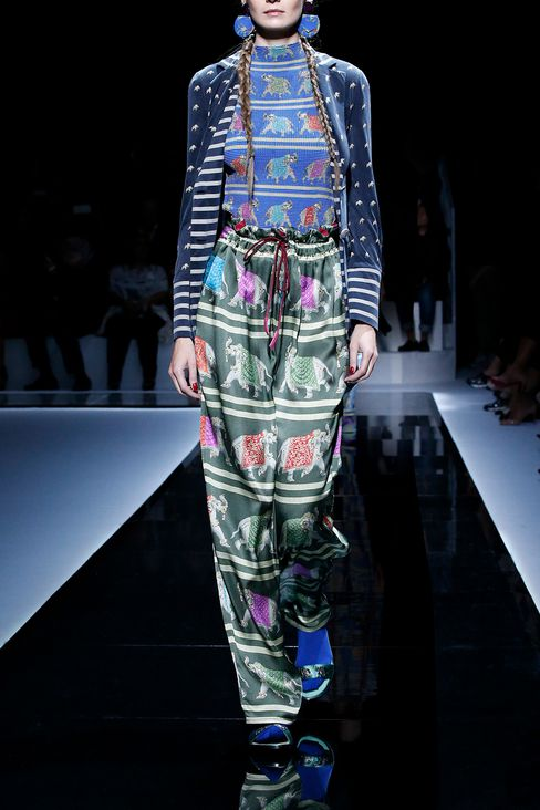 Trousers: Shorts Women by Armani - 2
