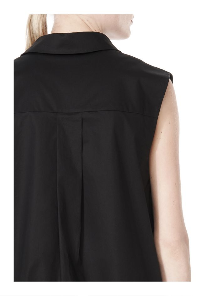 LOW V-NECK COLLARED SLEEVELESS TUNIC