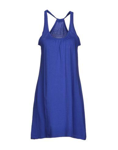 Короткое платье ETNIES 34476540DO