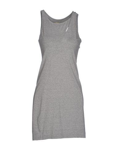 Короткое платье OSKLEN 34491370SQ