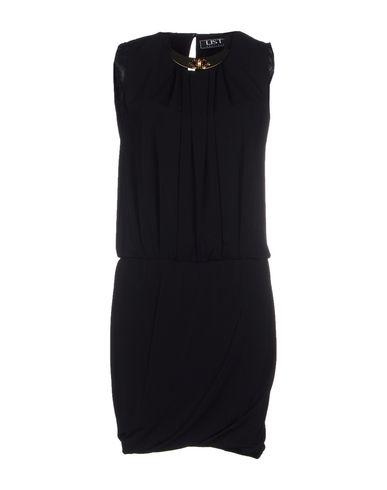 Короткое платье LIST 34501517UQ