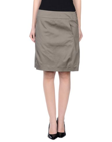 mi-knee-length-skirt-female