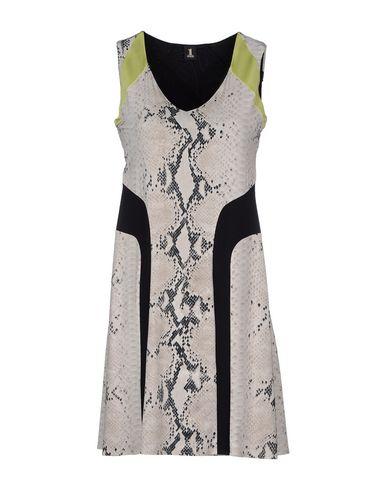 Короткое платье 1 ONE 34530608QA