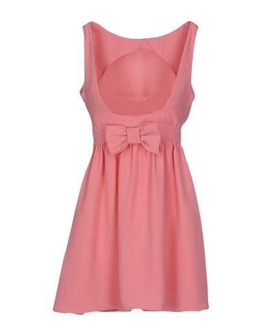 Платья в розовых тонах