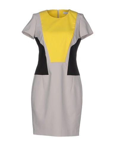 Короткое платье WHO*S WHO 34574628CM