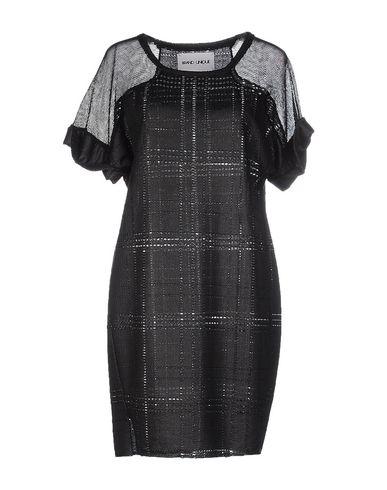 Короткое платье BRAND UNIQUE 34597648IO
