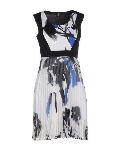 Короткое платье 1 ONE 34610818GA