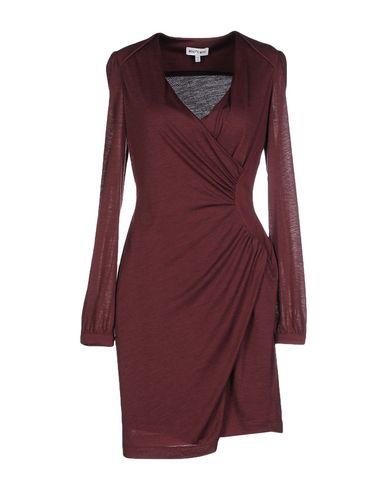 Короткое платье WHO*S WHO 34627636CM