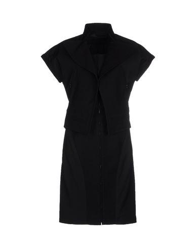 Короткое платье KARL LAGERFELD 34629189JQ