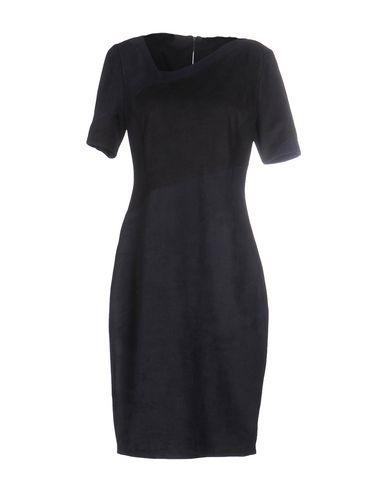 Короткое платье ELIE TAHARI 34640564VD