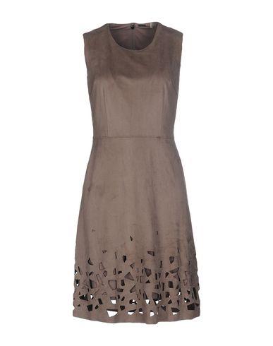 Короткое платье ELIE TAHARI 34640583HP
