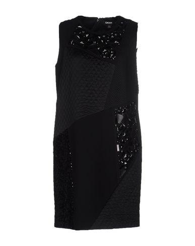 Короткое платье DKNY 34642584CE