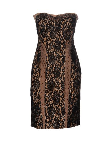 Короткое платье LIST 34646192DH