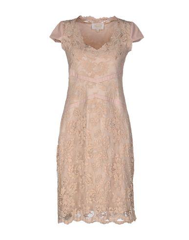 olvi-knee-length-dress-female