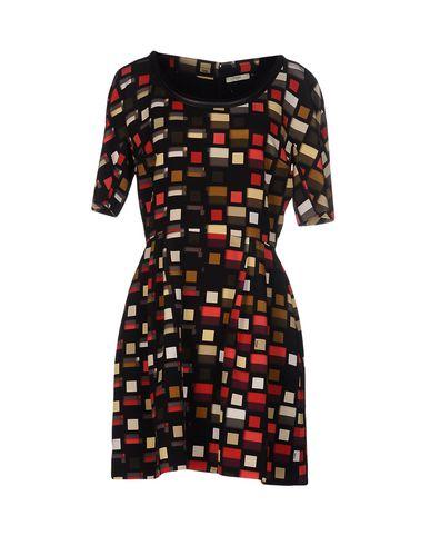 Короткое платье FENDI 34653345MI