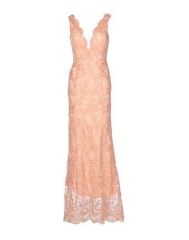red-carpet-long-dress-female