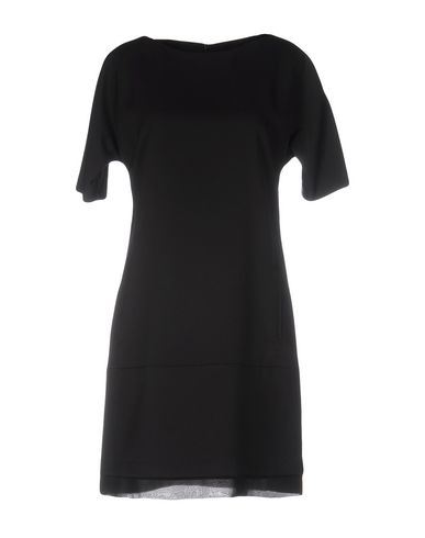 Короткое платье WHO*S WHO 34674545OA