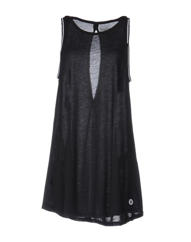 Короткое платье HURLEY 34677565SS