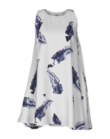 Короткое платье WESC 34677964PU