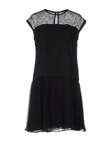 Короткое платье KARL LAGERFELD 34678806TP