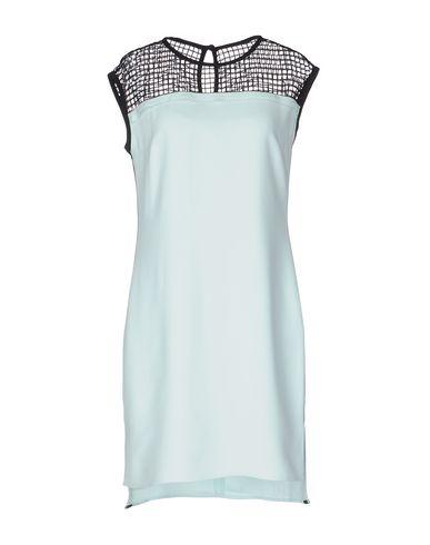 Короткое платье KARL LAGERFELD 34678808VV