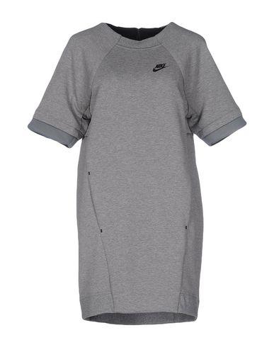 Короткое платье NIKE 34680212PP