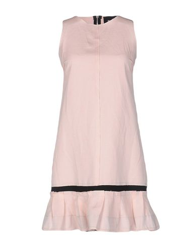 Короткое платье D&G 34682424RM