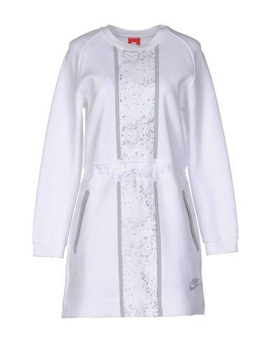 Короткое платье NIKE 34688221PA