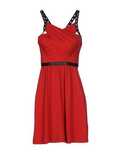 Короткое платье GUESS 34694295QC