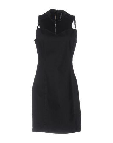 Короткое платье GUESS 34697357PQ