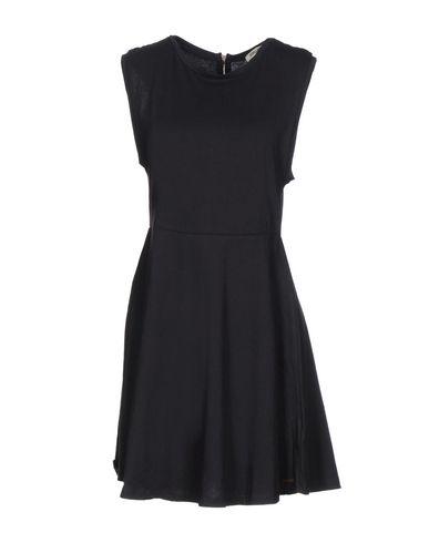 Короткое платье BILLABONG 34716393UC