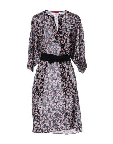 Короткое платье CAROLINA HERRERA 34724165JD