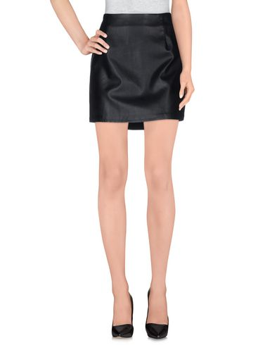 goldie-london-mini-skirt-female