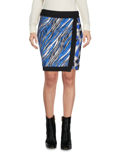 view-mini-skirt-female