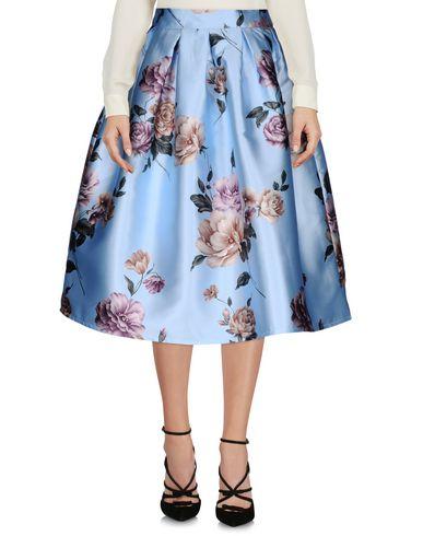 red-carpet-34-length-skirt-female