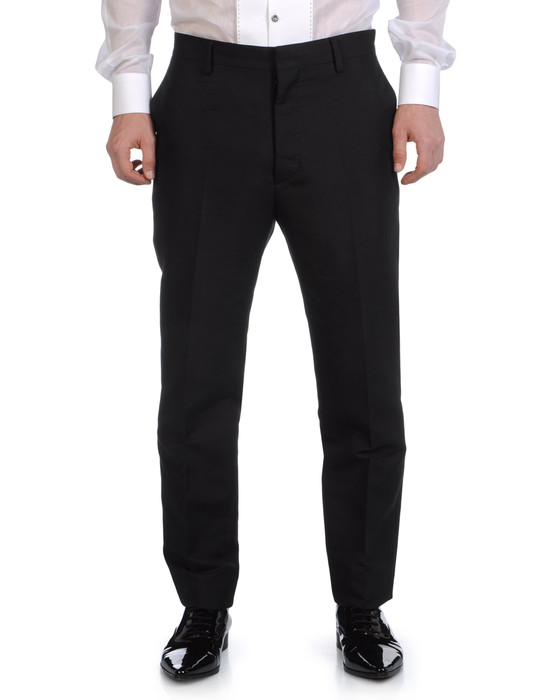 Scopri i pantaloni eleganti e formali da uomo su ASOS. Scopri la nuova gamma di pantaloni eleganti firmati ASOS per completare il tuo look.