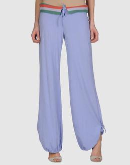 FUERTEVENTURA - ROPA DEPORTIVA - Pantalones deportivos en YOOX.COM