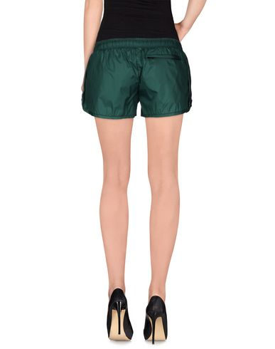 Foto HAUS GOLDEN GOOSE Shorts donna