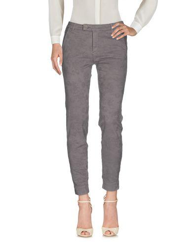 Повседневные брюки NERO GIARDINI 36952557OO