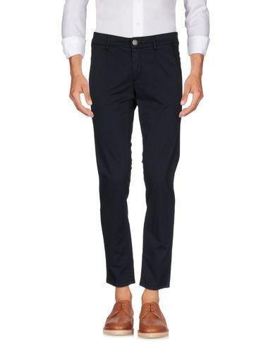 Повседневные брюки ALESSANDRO DELL'ACQUA 36973382OU