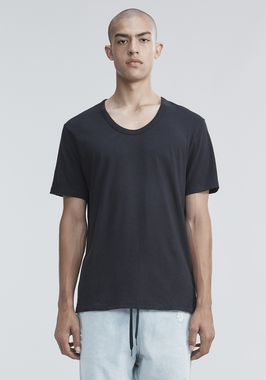 CLASSIC LOW NECK TEE