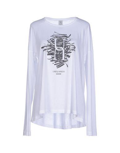 Foto UNIQUENESS T-shirt donna T-shirts