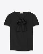 Blusa oversized con scollo lavallière nera in raso